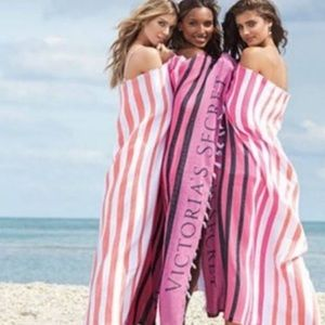 VS Stripe Fringe Blanket ombré Pink White Orange